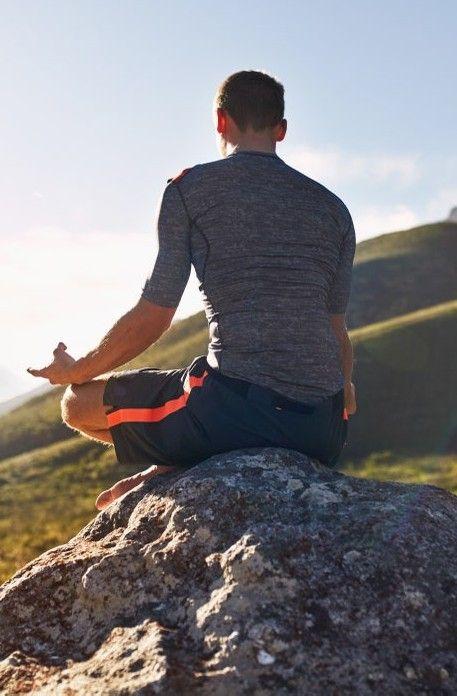 Solamente enfocándote; primero, en tu respiración; posteriormente, conecta  con tu concentración, solo así podrás experimentar una meditación real. Gq, Prepping, Style, Home, Meditation For Beginners, Earrings, Lifestyle, Swag, Outfits
