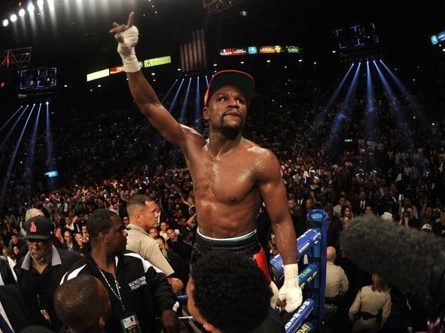 Floyd Mayweather Jr has £120,000 worth of possessions stolen from his home