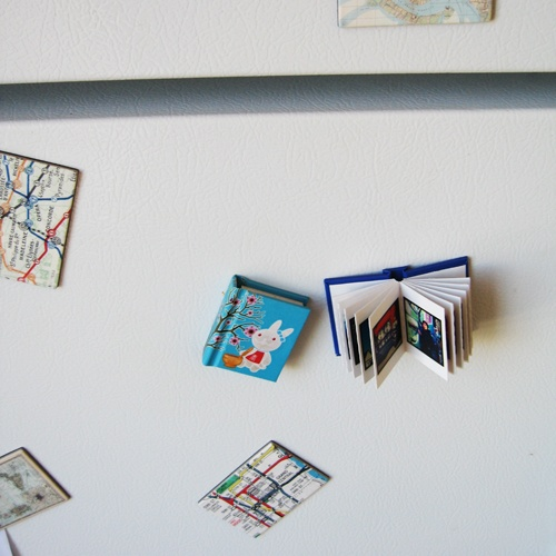 tiny instagram books!! yes yes yes!!Book Magnets, Crafts Ideas, Tinybook 10, Instagram Book, Instagram Pictures, Photos Book, Minis Prints, Printstagram Book, Instagram Photos