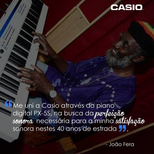 João Fera, tecladista do Paralamas do Sucesso, tem mais de 40 anos de carreira e 27 ao lado do trio carioca!  Mais um grande músico leva o nome da #Casio por aí!