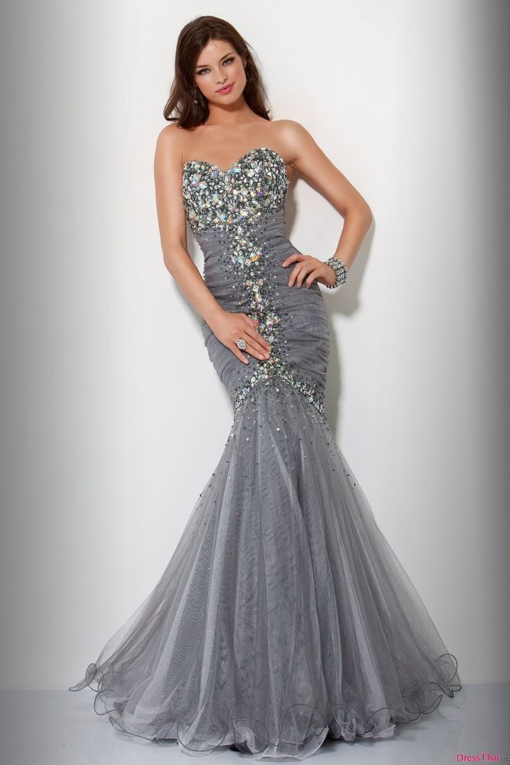 I really like the style of this dress!! I think it would be very pretty in a light pink/baby pink color!