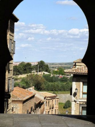 Archway - Toledo, Spain