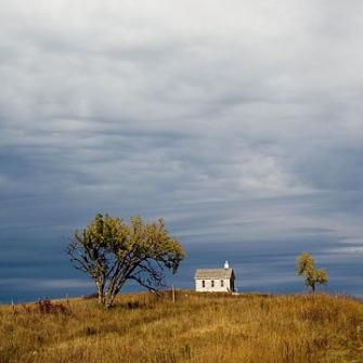 Endless vistas and teeming wildlife await travelers who visit a pair of scenic Kansas byways for a wide-open brand of fall driving.