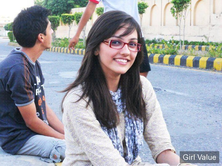 "{""token"":""1861""} - Beautiful Indian College Girl in White Salwar Kameez"