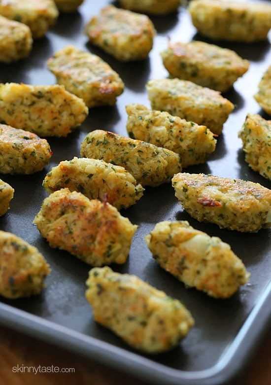 Cauliflower Tots by skinnytaste: A delicious and healthy way to get your family to eat more veggies. Kid friencly.
