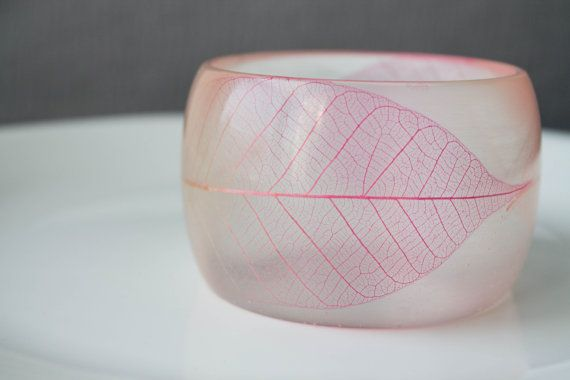 Crystal clear chunky round bangle with pink skeleton leaves ombre effect- Botanical jewelry - Bajari