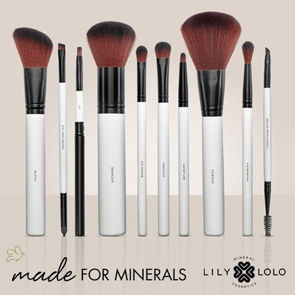 Pinceaux Maquillage Lily Lolo - parfaits pour l'application des poudres minérales. Fabriqués à partir de poils synthétiques de la meilleure qualité, le toucher est ultra-doux. #pinceau #maquillage #minéral #lilylolo #vegan www.officina-paris.fr