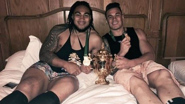 Ma'a Nonu and Sonny Bill Williams with their new room-mate - the Webb Ellis Cup