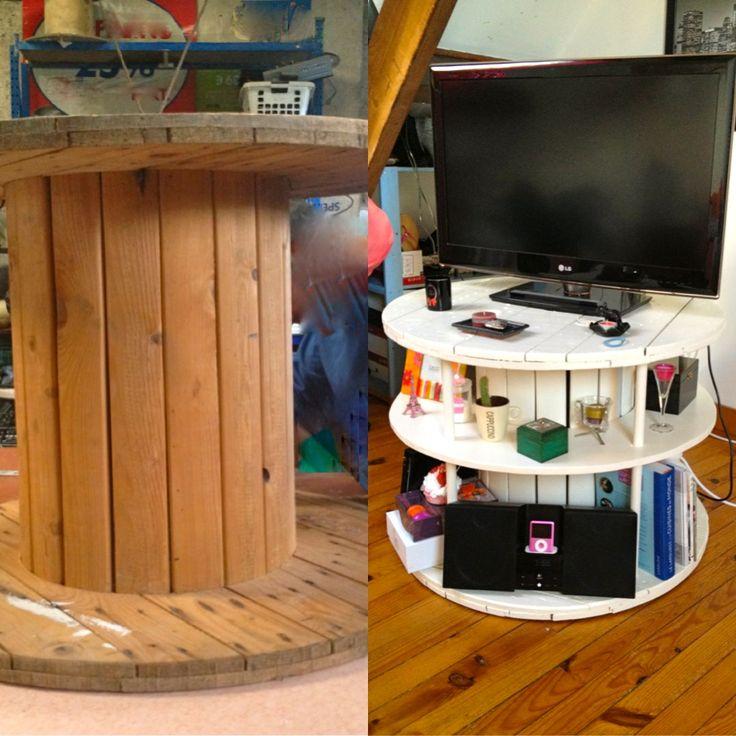 Transformer un enrouleur de câbles en bois en meuble chic. Turn a wooden cable roll into a beautiful piece of furniture.