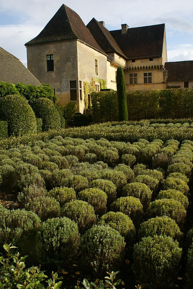 French gardens in Dordogne