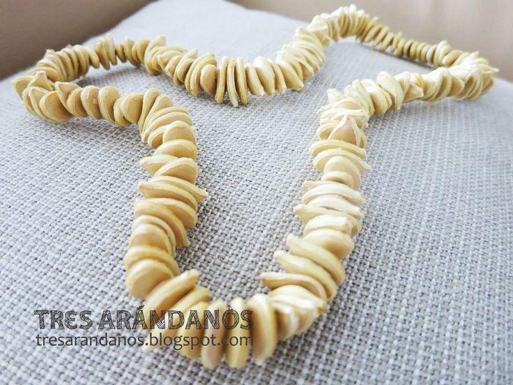 MANUALIDADES CON SEMILLAS DE CALABAZA - Collar de semillas de calabaza!!!