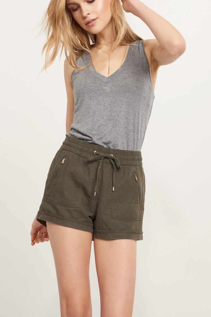 Getting in the Spring vibe.  Soft linen shorts.
