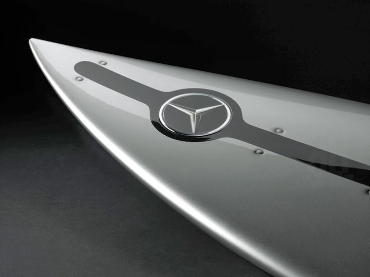 Ultra Tendencias: silver arrow of the seas tabla de surf con telemetría incorporada de mercedes-benz