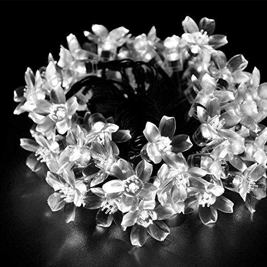 YSM LED Fata Fiore luci della stringa 50 LED 23 ft 17m impermeabile compatti a LED Luce natalizia Natale con sensore di luce, ideale per la cerimonia nuziale, partito, decorazione di festa, all'aperto e al coperto Usa (Neutral White)