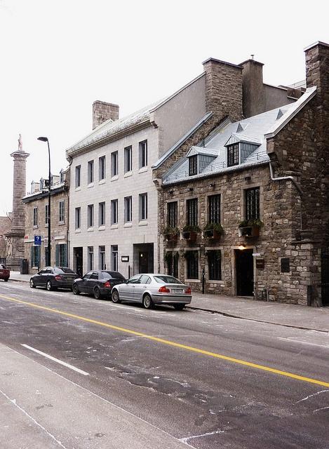 Old Montreal, Rue Notre-Dame near Rue Saint-Vincent
