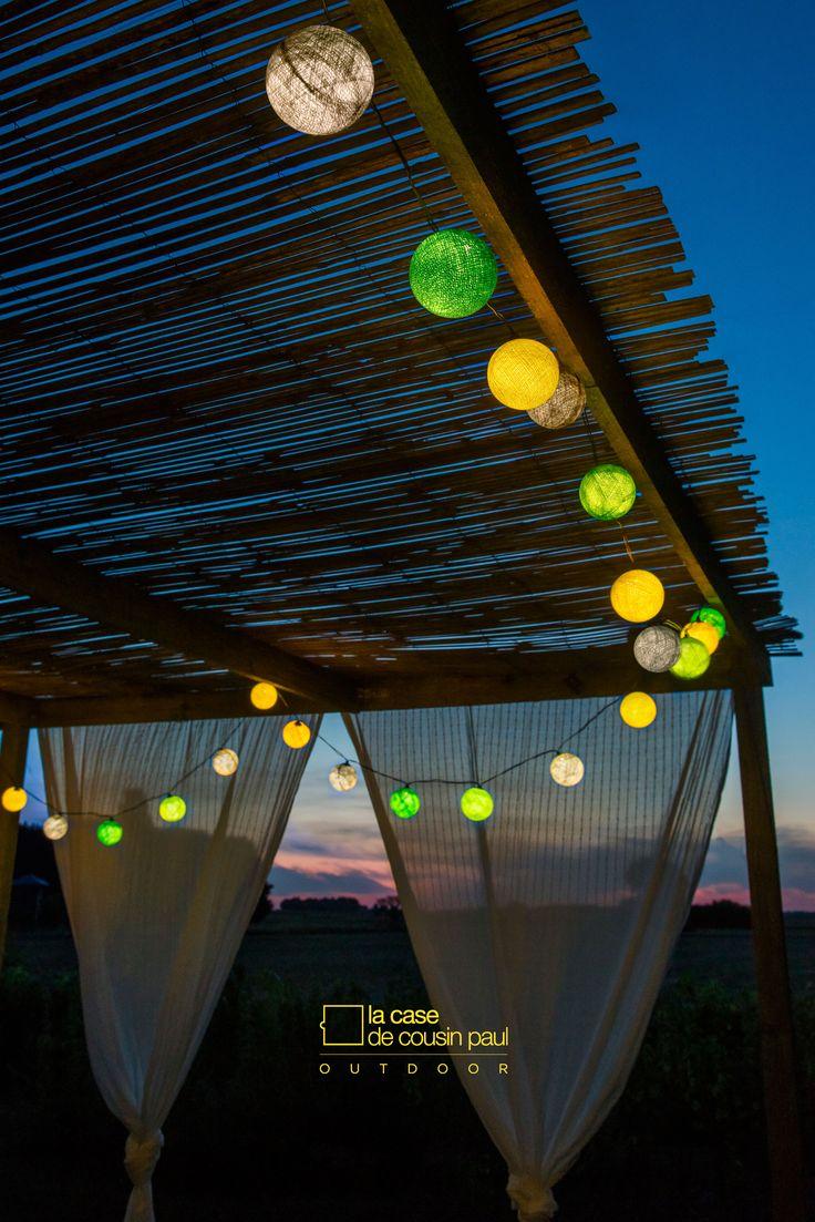 Guirlande pour l'extérieur modèle 'mojito': guirlande à LED de 5m20 (+4m50 de fil nu) avec  24 boules traitées pour résister aux intempéries. Retrouvez tous nos coffrets Outdoor dans la rubrique 'nos créations' sur http://www.lacasedecousinpaul.com/fr/collections/outdoor