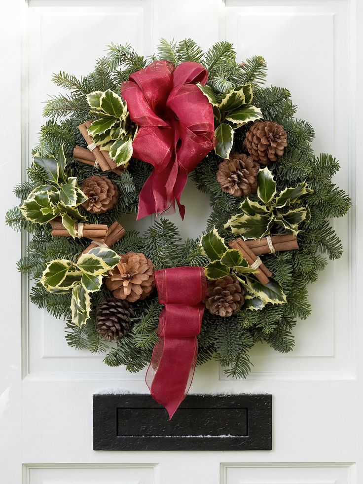 Festive Wreath - Interflora