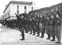 Çağdaş Türk ve Dünya Tarihi – Kara-Kahverengi gömlekliler / 1.Dünya Savaşı Sonrası TOTALİTER REJİMLER - http://kpssdelisi.com/question/question/cagdas-turk-ve-dunya-tarihi-kara-kahverengi-gomlekliler-1-dunya-savasi-sonrasi-totaliter-rejimler/