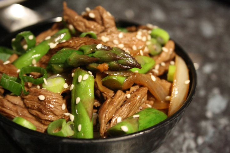 beef and asparagus stir fry - misslollylovesfood