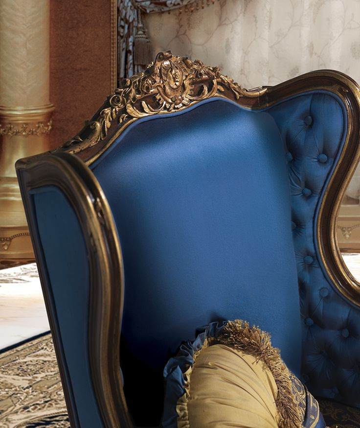 RIMBAUD Classic italian blue armchair for luxury sitting room