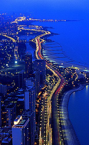 Chicago, IL : Looking North, from the John Hancock Bldg, at Lakeshore Drive