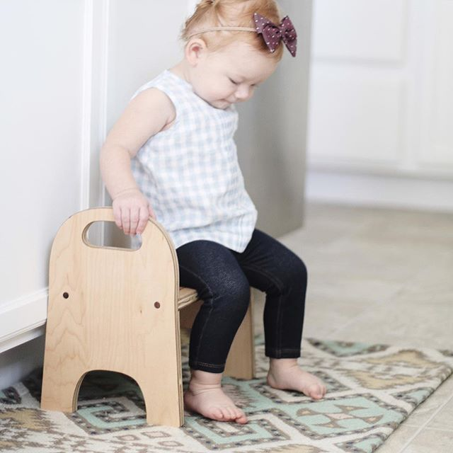 baby style | kid's style | cute baby fashion | baby fall style | freshly picked | cute baby leggings | baby bows | baby stool | kid's bathroom stool | step stool | DIY
