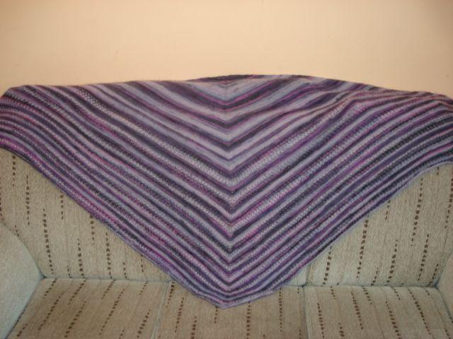 duża okrywowa chusta na drutach angora fioletowy melanż