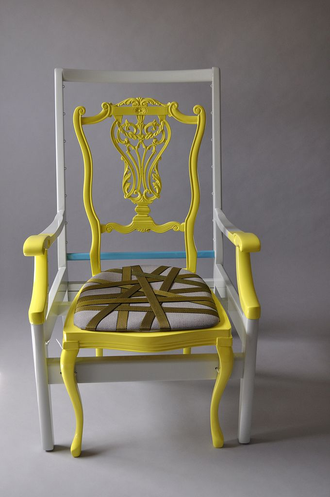 Combined chairs resulting in a custom made one, quite impressive