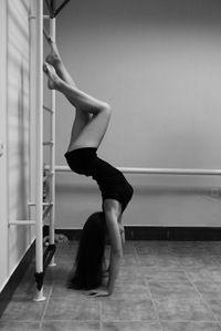 Картинки по запросу спортивные девушки со спины