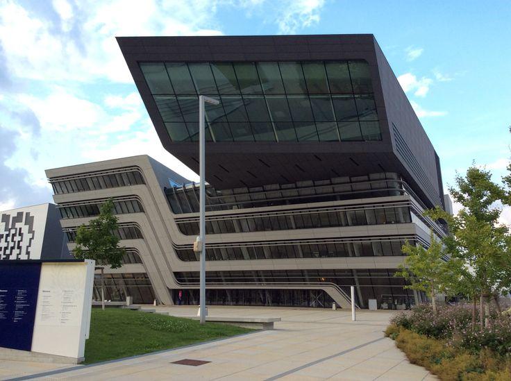 Вена, Корпус библиотеки Венского экономического университета, Заха Хадид