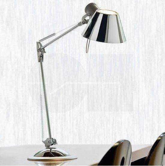 Επιτραπέζιο φωτιστικό - πορτατίφ - λαμπατέρ γραφείου, σε μοντέρνο στυλ, με σώμα από ατσάλι και πλαστικό σε χρώμιο και ασημί λεπτομέρειες. Σειρά Office της Eglo. Μπορεί να στερεωθεί και στην άκρη του γραφείου. --------------------------------- Desk lamp, in modern style, with body made of steel and plastic in chrome color and silver details. It can also be attached to the edge of the desk. #eglo #readingiscool #reading #readingtime #readinglight #desk #deskgoals #desklight #desklamp…