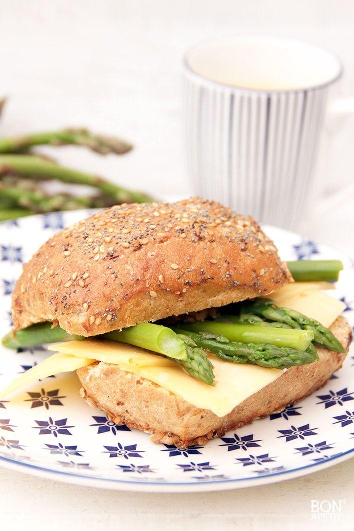 Gezond broodje met groene asperges! - BonApetit