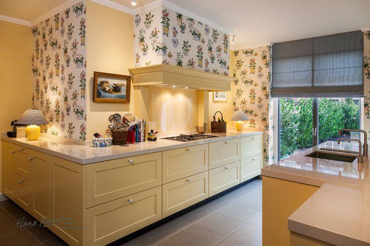 Hans Kwinten Interieurprojecten in Bergeijk. Maatwerk | meubels | interieurinrichting | haardmeubels | keukens | badkamers | kasten | projecten | interieur | inspiratie | design | ontwerpen | op maat | styling | interieur advies | ambacht | kleurrijk | geel | strak | modern | landelijk | klassiek | wonen | leven |