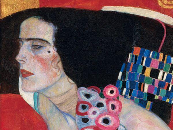 La mostra si propone di indagare i rapporti familiari e affettivi di Klimt, esplorando gli inizi della sua carriera alla Scuola di Arti Applicate di Vienna e la sua grande passione per il teatro e la musica attraverso l'esposizione di opere provenienti anche da altri importanti musei, tra cui diversi capolavori come Adamo ed Eva (Adam and Eve), Giuditta II, Girasole (Sonnenblume) e Acqua mossa (Bewegtes Wasser).Per saperne di più:- La scheda della mostra