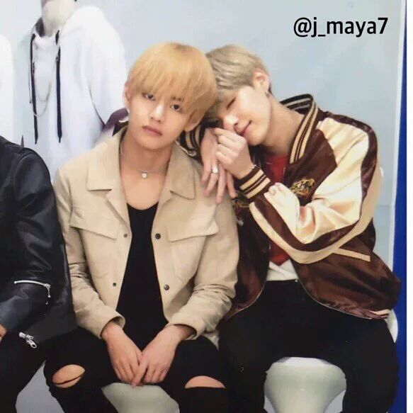 AWWWWWW! I hardly ever see Taegi interactions anymore, so this is so sweet to me! ^-^ BLONDE TAE. •-•