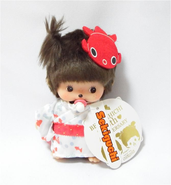 Bebichhichi 259199 - Bebichhichi Japanese Summer Goldfish Yukata Girl. Authentic Bebichhichi doll from Sekiguchi. About 14cm. Suitable for child aged 6 years old and above. Ideal Birthday gift, Valentine's Day gift, Christmas gift, New Year gift, Children's Day gift and Housewarming gift! A favourite for Monchhichi & Bebichhichi doll collectors too!