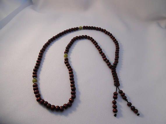 Chapelet bouddhiste Mala café grillé perles en bois jade