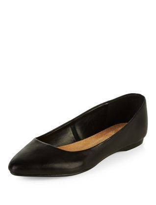 Wide Fit Black Leather Pointed Pumps | New Look