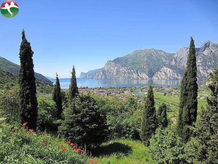 Schöne Aussicht auf den nördlichen Gardasee - Italien