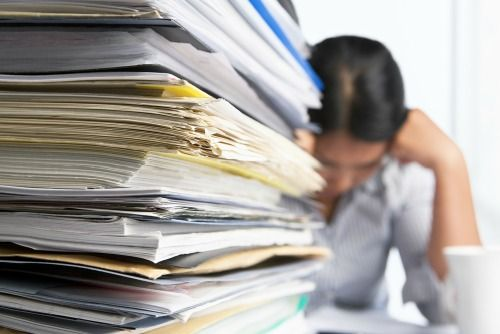 Why Organizing That Huge Pile of Papers Will Make You Happy - It only takes 3 easy steps to get organized and stay organized #officespace #desk