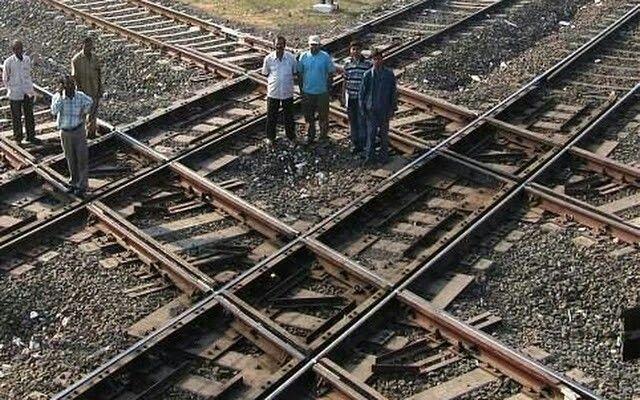 Railway diamond crossing at Nagpur,India