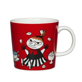 Little My is a mischievous character in Tove Jansson's tale, as illustrated on one of the Moomin mugs from Arabia. There are several Moomin mugs with different characters to choose from and they are even nicer together! Find your favorites for hot beverages!