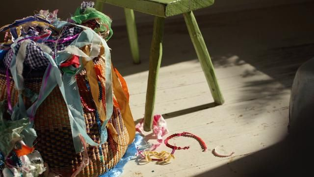 A beautiful movie - New Orleans Artists – Kaki Foley by Anthropologie. Lucky is the fallen branch or scrap of fabric that finds its way into Kaki's hands, for she will undoubtedly decorate, paint, assemble and reinvent it as a wonderfully offbeat work of art.
