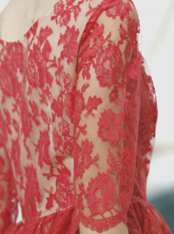 I love this color lace :)