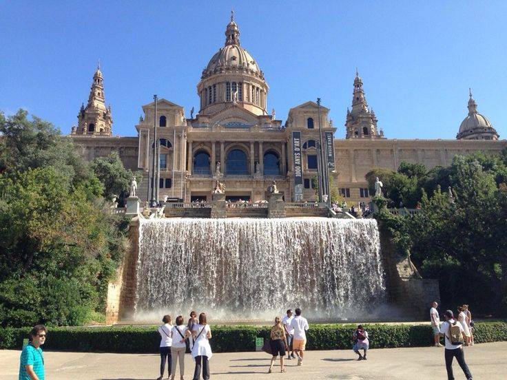 5 Must See Barcelona Sites