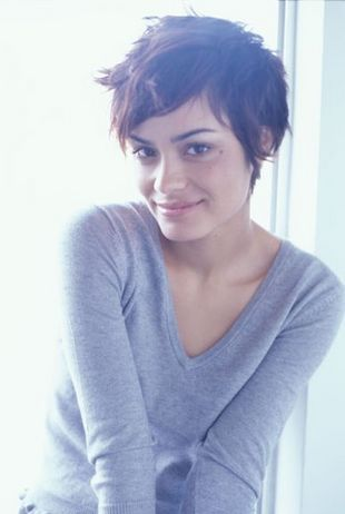 Shannyn Sossamon in the Rules of Attraction by Bret Easton Ellis