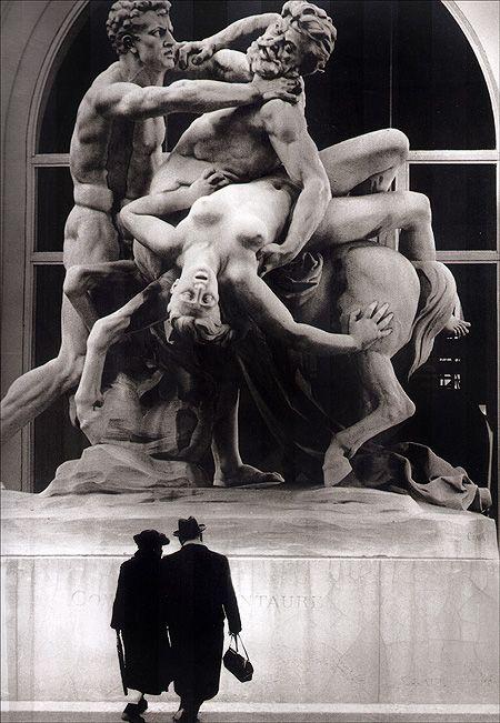 Robert Doisneau's Paris Robert Doisneau's Paris (via crashinglybeautiful)