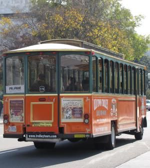 What You Will See on  Washington, DC's Old Town Trolley Tour: Old Town Trolley