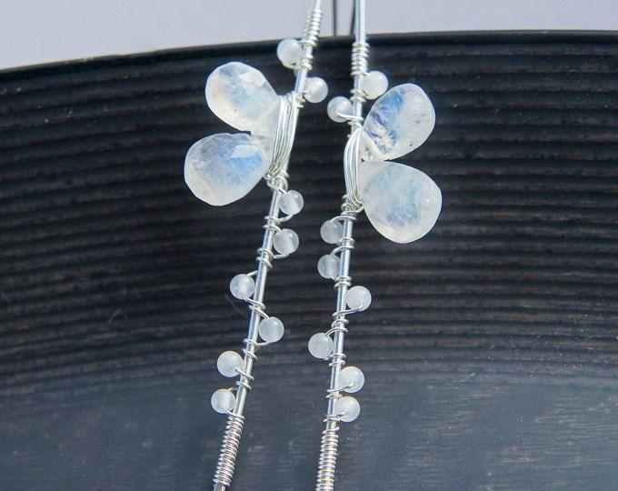 Pendientes piedra de luna, blanco plata de pendientes, joyas de piedra de luna arco iris, junio Birthstone, joyería de la boda rústica