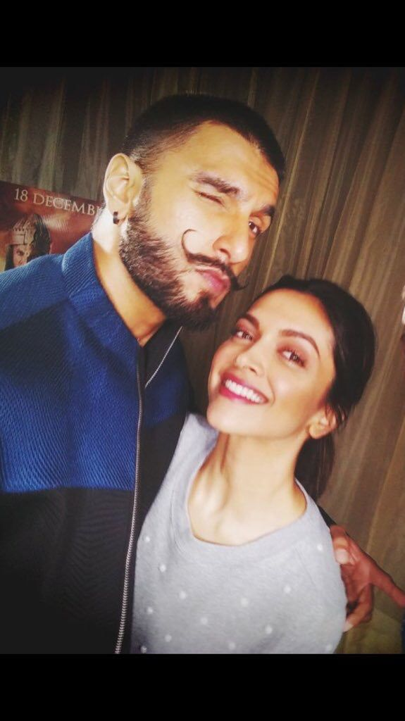 Deepika Padukone and Ranveer Singh promoting Bajirao Mastani! ☺️